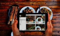 Carta digital en tablet con platos